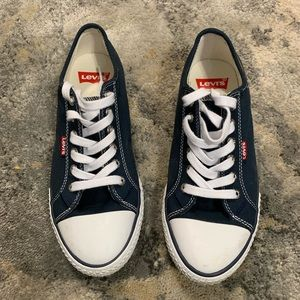 Levi's Strauss Women's Stran Bucks Sneakers Size 8